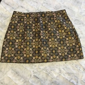 FOREVER 21 - WOMEN'S SZ LARGE MINI - GOLD & BLACK